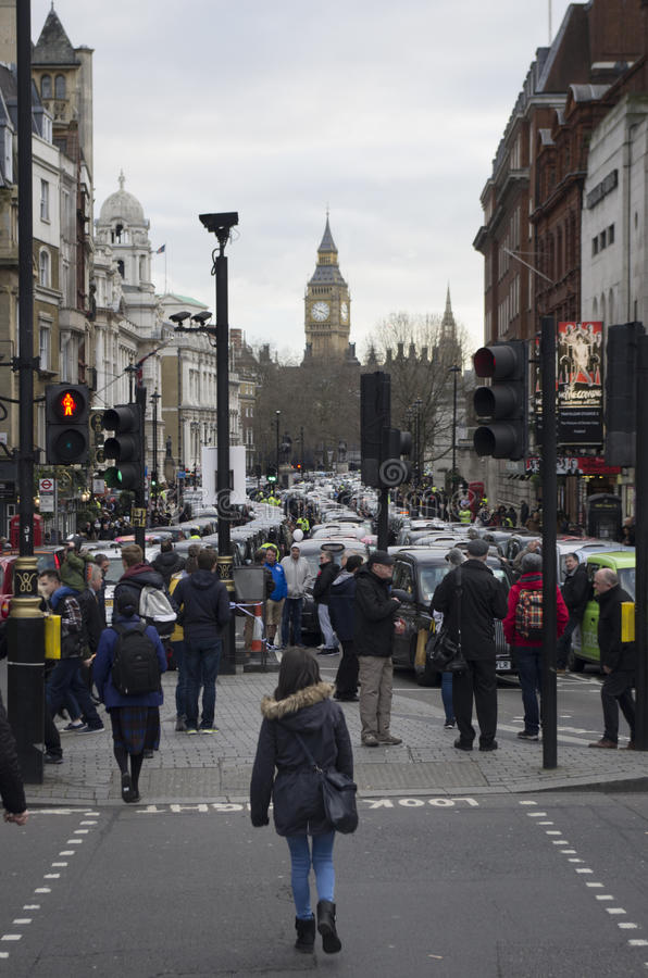 Taxis που διαμαρτύρεται ενάντια σε Uber στοκ φωτογραφία με δικαίωμα ελεύθερης χρήσης