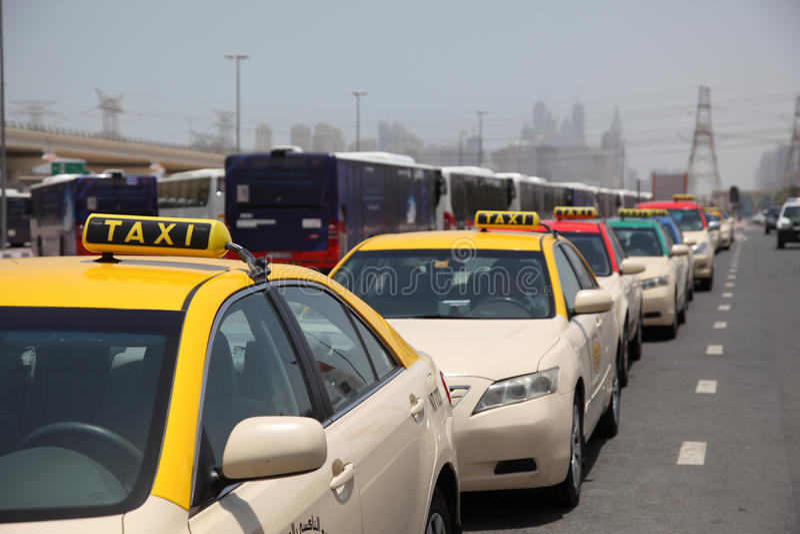taxis του Ντουμπάι στοκ εικόνες