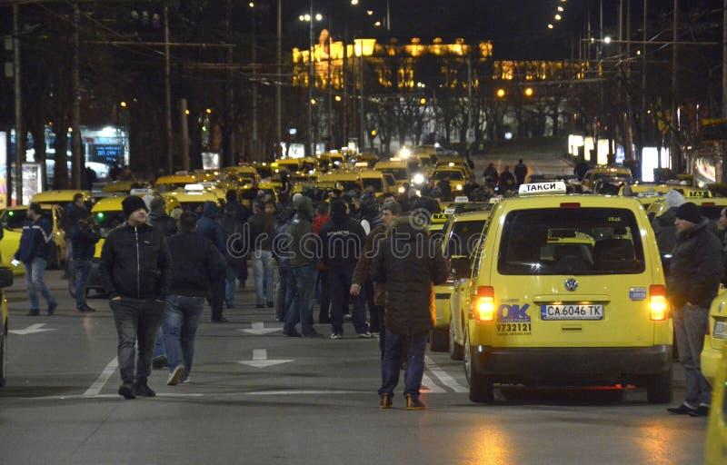 Taxis blokkeert het centrum in 24 Maart, 2016 in Sofia, Bulgarije stock afbeeldingen