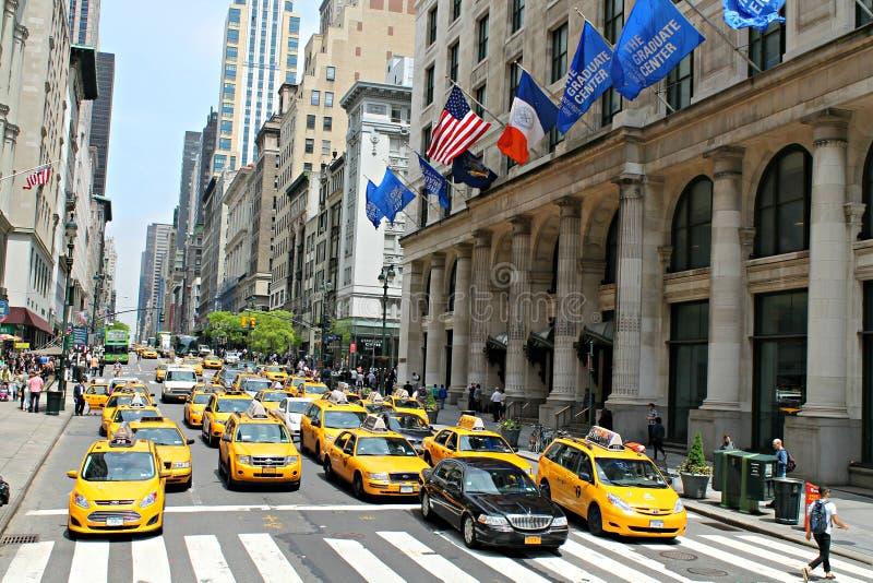 Taxis de la calle de New York City fotos de archivo