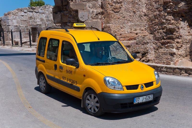 Taxis in Kant, Turkije stock afbeeldingen