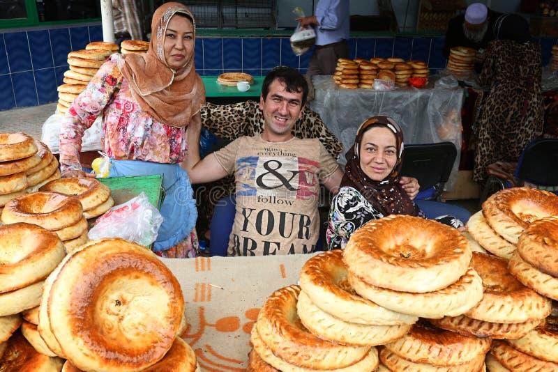 Tayikistán: Comercio en mercado de la comida imagen de archivo libre de regalías