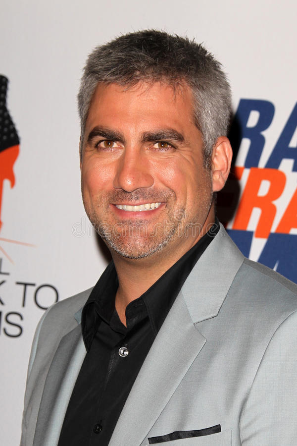 Download Taylor Hicks Arrives At The 19th Annual Race To Erase MS Gala Editorial Image - Image: 25274825