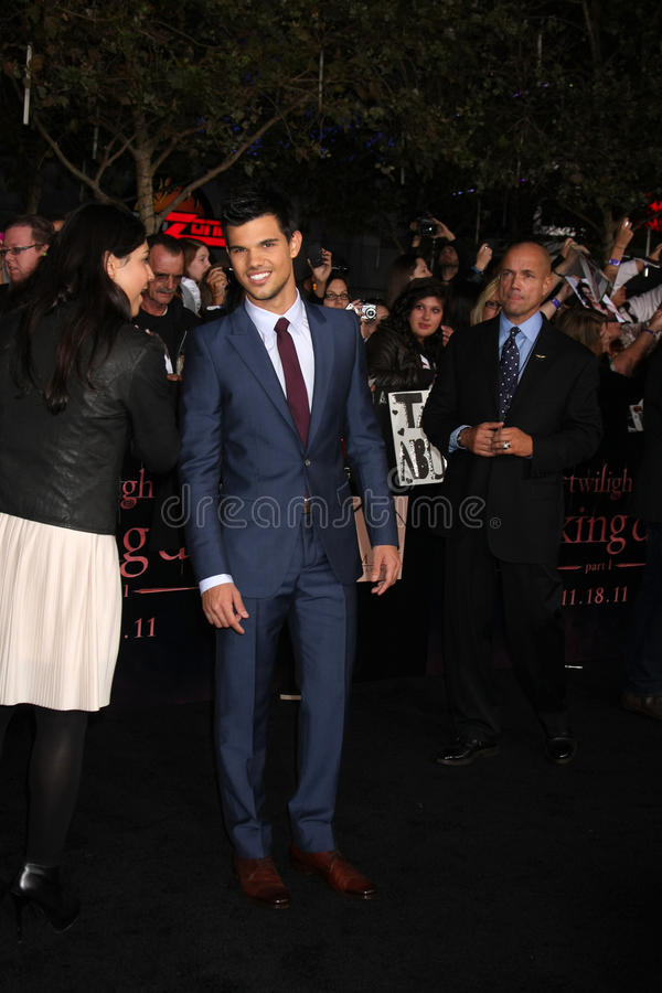 Download Taylor Lautner editorial stock image. Image of live, november - 22659804