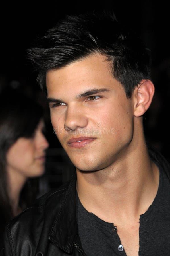 Download Taylor Lautner, Das Durchgehen, Durchgehen Redaktionelles Stockbild - Bild von hollywood, cinerama: 26356529