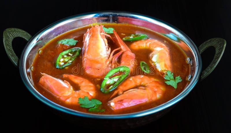 Tazón de fuente de curry del masala de la gamba imagen de archivo