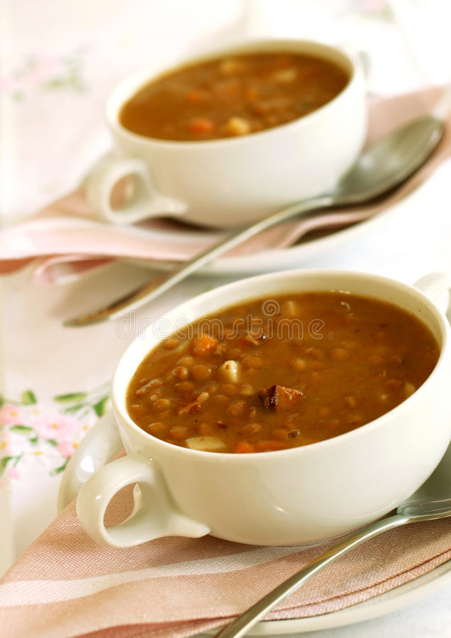 Tazón de fuente de sopa de lenteja. foto de archivo libre de regalías