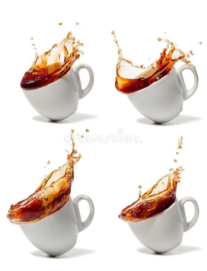 Taza de caídas del café o del té imagenes de archivo