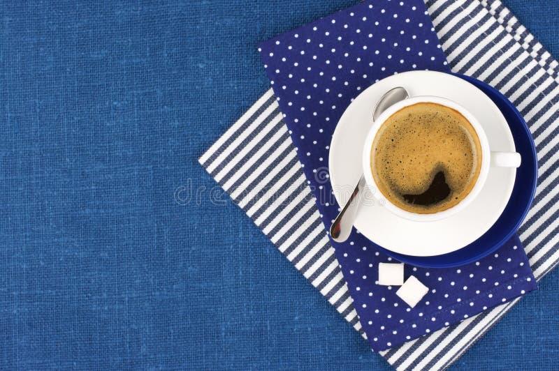 Download Taza de café imagen de archivo. Imagen de mañana, lino - 42435317