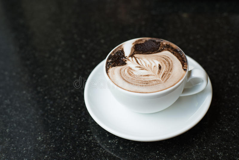 Download Taza de café foto de archivo. Imagen de rotura, bebida - 42439010