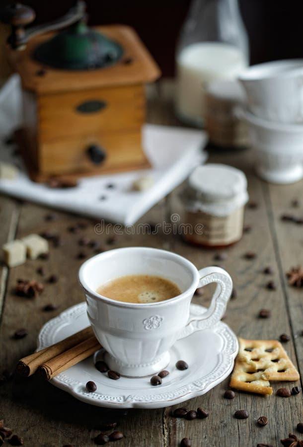 Download Taza de café foto de archivo. Imagen de pasteles, caliente - 44856248