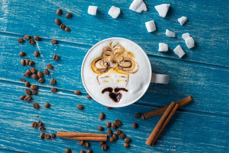 Taza de café con el azúcar y el canela fotografía de archivo