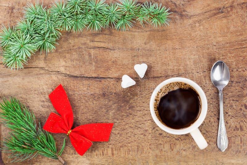 Taza de café con la decoración 5 de la Navidad fotos de archivo libres de regalías