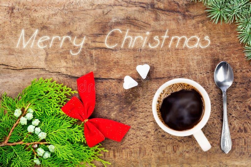 Taza de café con la decoración 8 de la Navidad foto de archivo libre de regalías