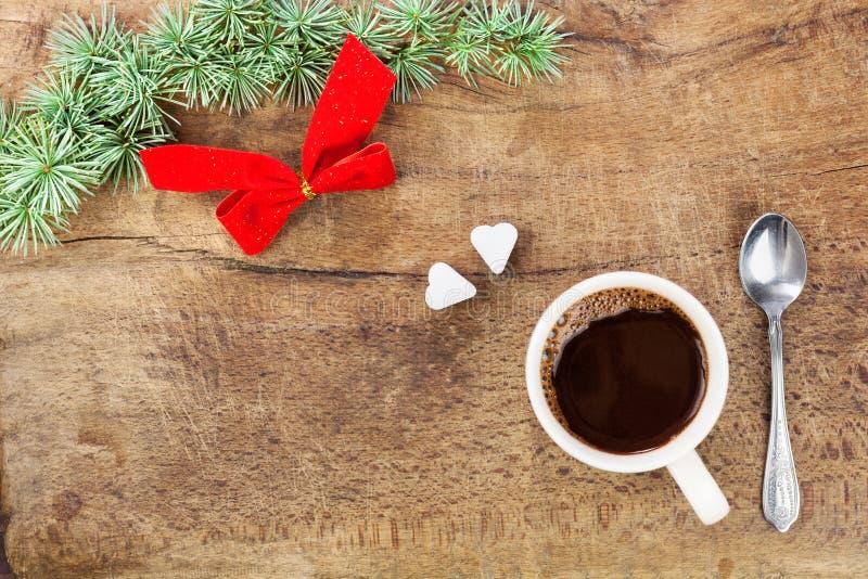 Taza de café con la decoración VII de la Navidad foto de archivo libre de regalías