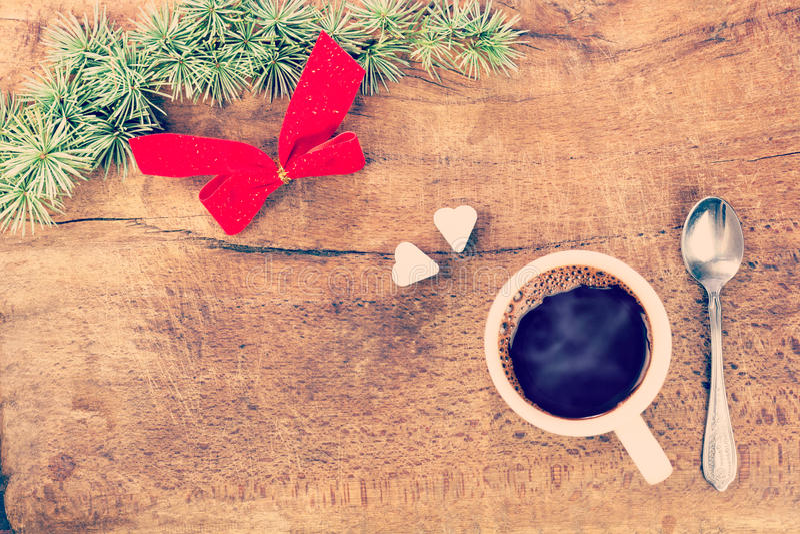Taza de café con la decoración VIII de la Navidad imagen de archivo