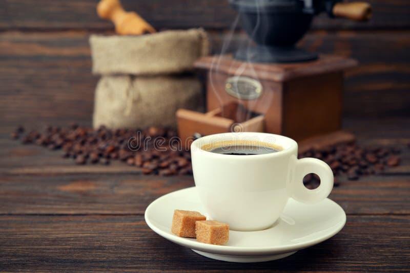 Taza de café express caliente imágenes de archivo libres de regalías