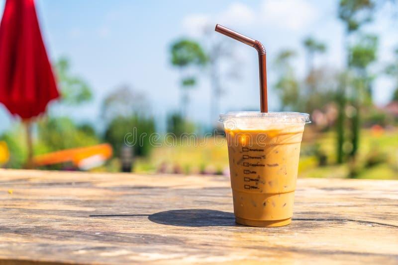 taza de café helada del latte foto de archivo