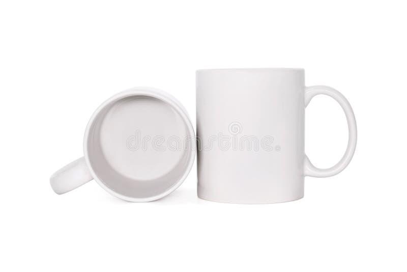 Taza de caf? en blanco aislada en el fondo blanco Plantilla de la taza de la bebida para su dise?o Trayectorias de recortes o cor fotografía de archivo libre de regalías