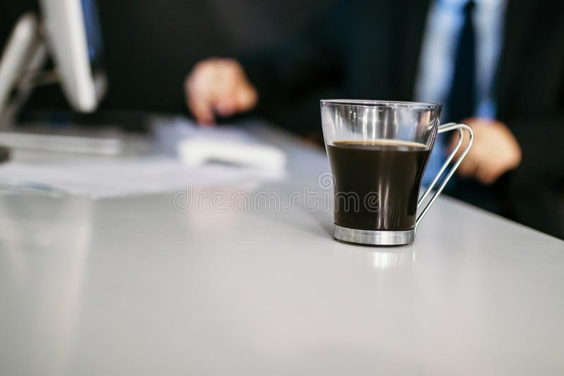 Taza de caf? s?lo fotografía de archivo libre de regalías