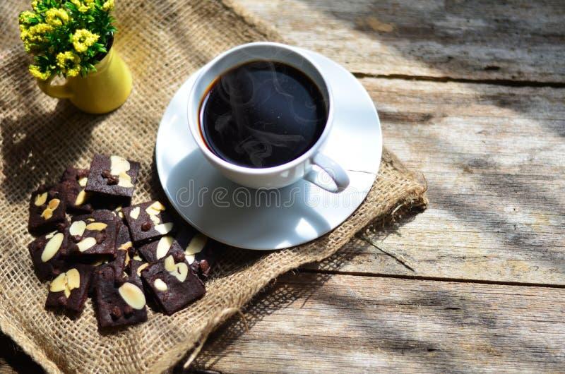 Taza de caf? y de galletas sabrosas Tiempo del t? y concepto del desayuno imágenes de archivo libres de regalías