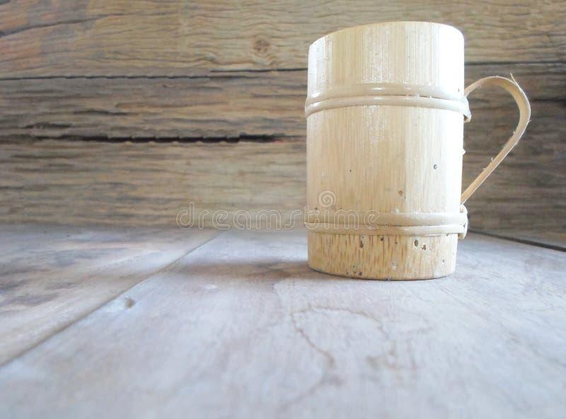 Taza de madera imágenes de archivo libres de regalías