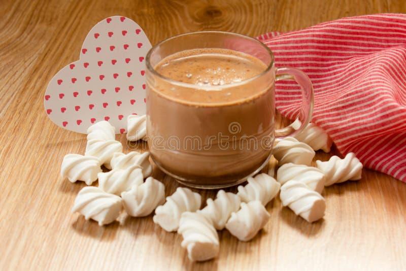 taza de melow del pantano del cacao y oír imagen de archivo libre de regalías