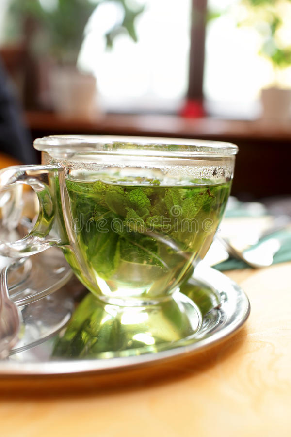 Download Taza de té de la menta foto de archivo. Imagen de alimento - 41907322