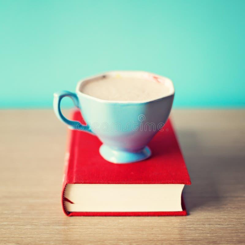 Taza de té de la turquesa fotografía de archivo libre de regalías