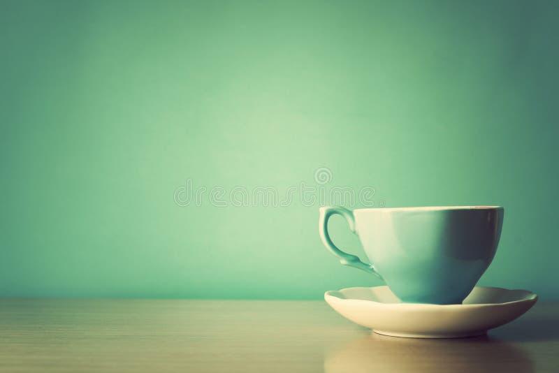 Taza de té de la turquesa imagen de archivo