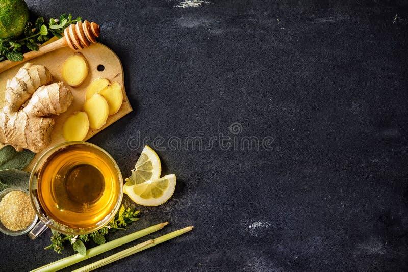 Taza de té del jengibre fotografía de archivo libre de regalías