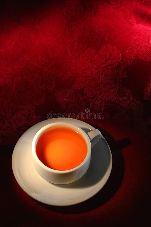 Taza de té en un restaurante asiático tradicional fotografía de archivo