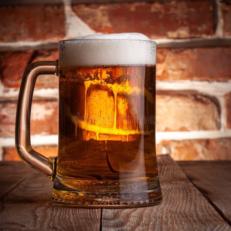 Taza de una cerveza fotografía de archivo