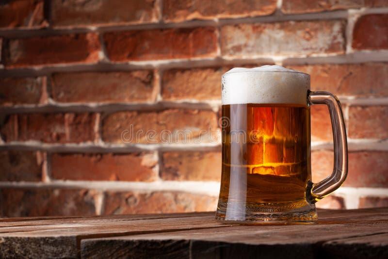 Taza de una cerveza foto de archivo