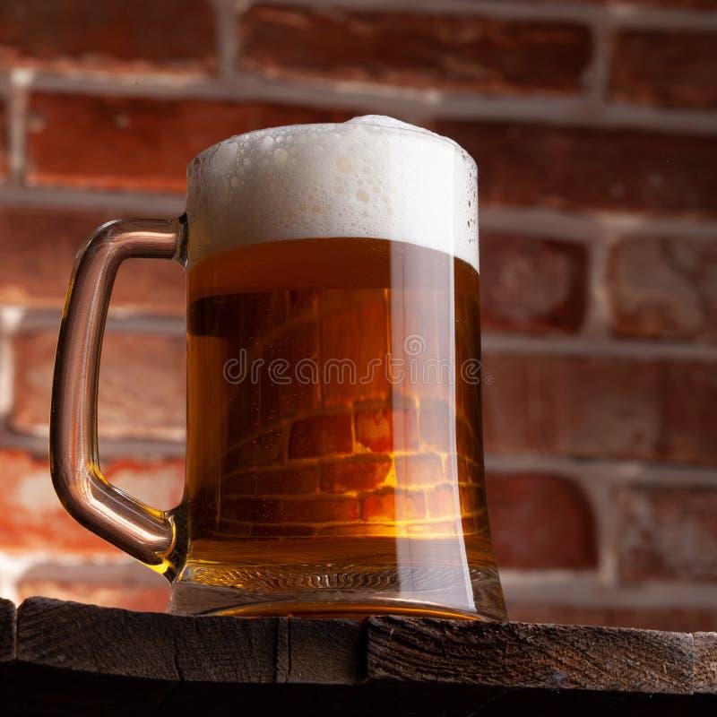 Taza de una cerveza imagen de archivo