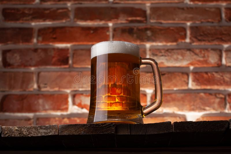 Taza de una cerveza fotos de archivo