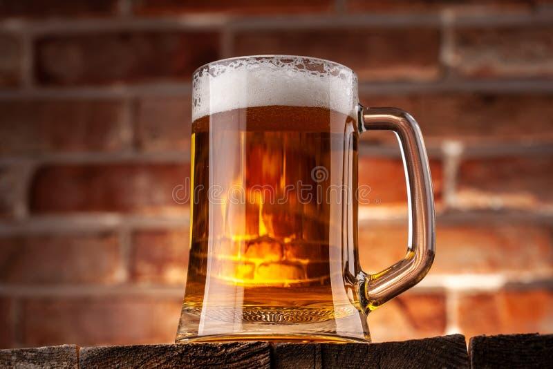 Taza de una cerveza imagen de archivo libre de regalías