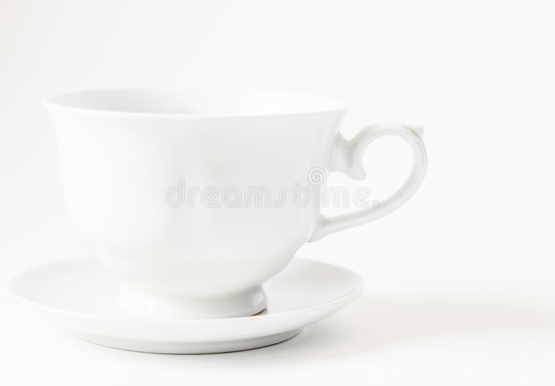 Taza del café con leche con el espacio para el logotipo - contiene las trayectorias que acortan imágenes de archivo libres de regalías