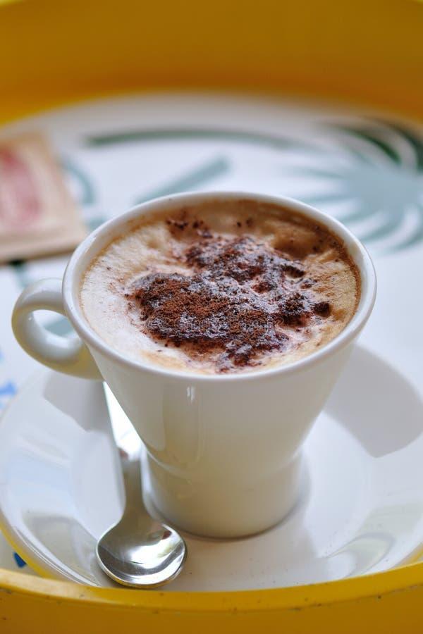 Taza del Cappuccino imagen de archivo