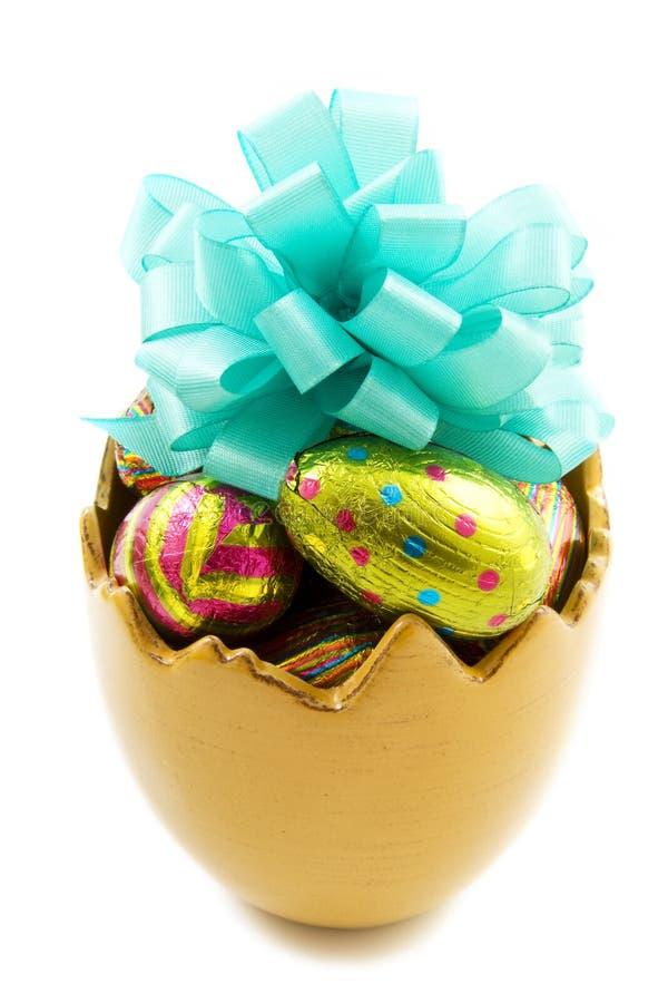 Taza del huevo de Pascua fotos de archivo