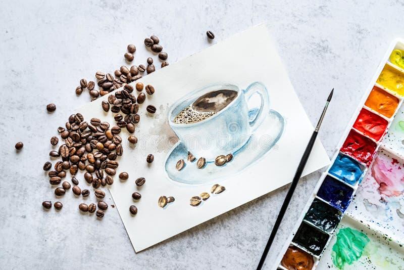 Taza exhausta de la mano de café adornada con los granos de café y el pallete con la acuarela y la brocha stock de ilustración