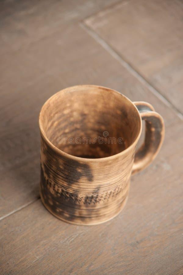 Download Taza Handcrafted Tradicional Foto de archivo - Imagen de modelo, doméstico: 44850872