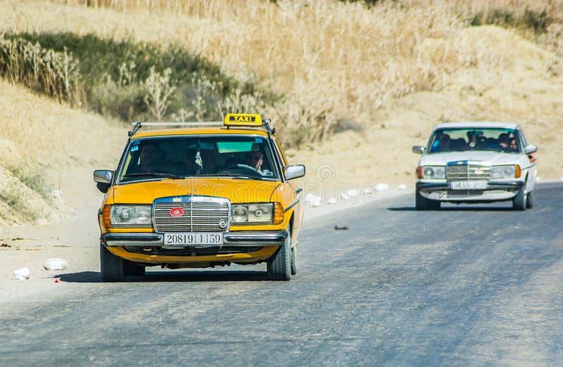 Taza, Marokko - Oktober 18, 2013 Typische Marokkaanse taxi stock afbeelding