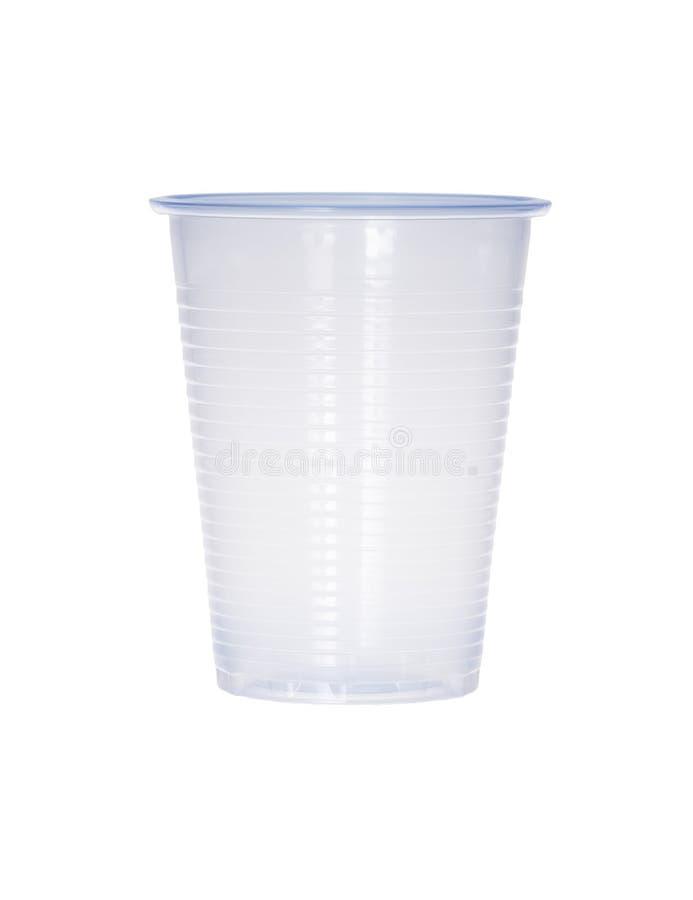 Taza plástica transparente vacía azul aislada en blanco fotografía de archivo libre de regalías