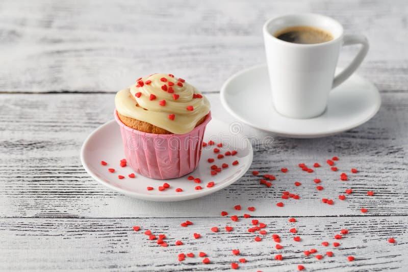 Taza y molletes de café de Expresso fotos de archivo libres de regalías