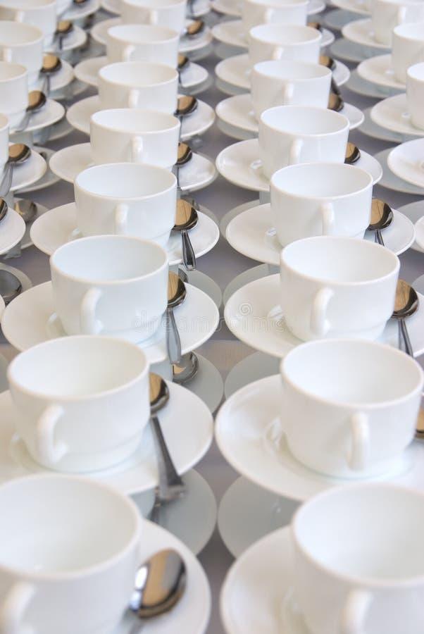 Tazas blancas imagen de archivo libre de regalías