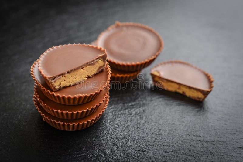 Tazas de la mantequilla de cacahuete foto de archivo libre de regalías