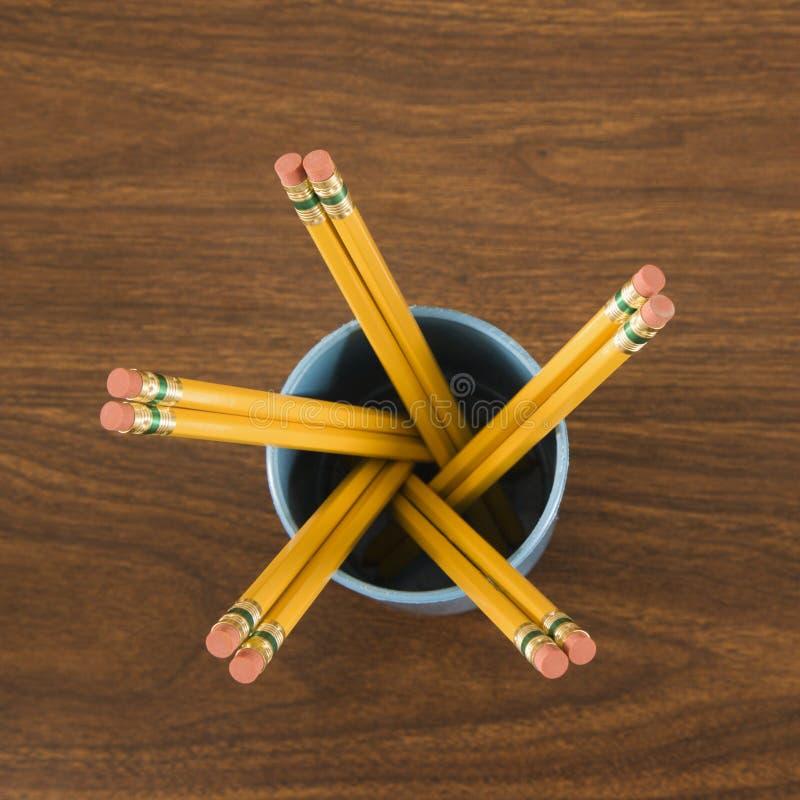 Tazza delle matite di legno immagini stock libere da diritti