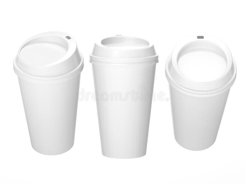 Tazza di caffè in bianco bianca con il cappuccio, percorso di ritaglio incluso immagine stock libera da diritti