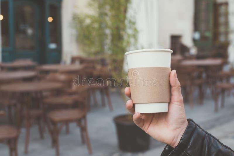 Tazza di caffè a disposizione immagini stock libere da diritti